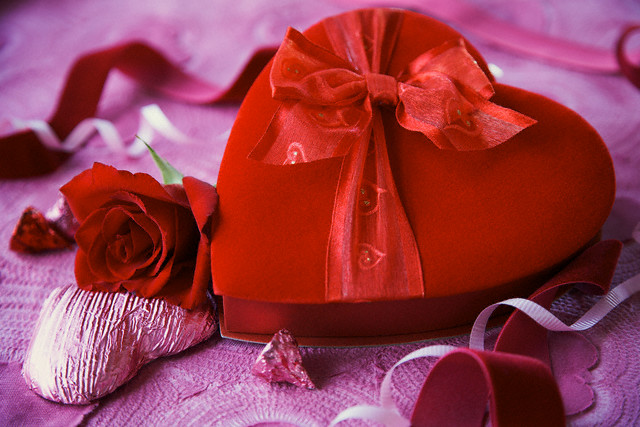 Romantic gift on valentines day servicesutra negle Image collections